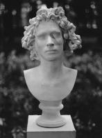 Joulia-Strauss-S0011-Denis.jpg