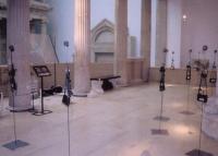 Joulia-Strauss-Pergamonmuseum3.jpg
