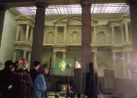 Joulia-Strauss-Pergamonmuseum7.jpg